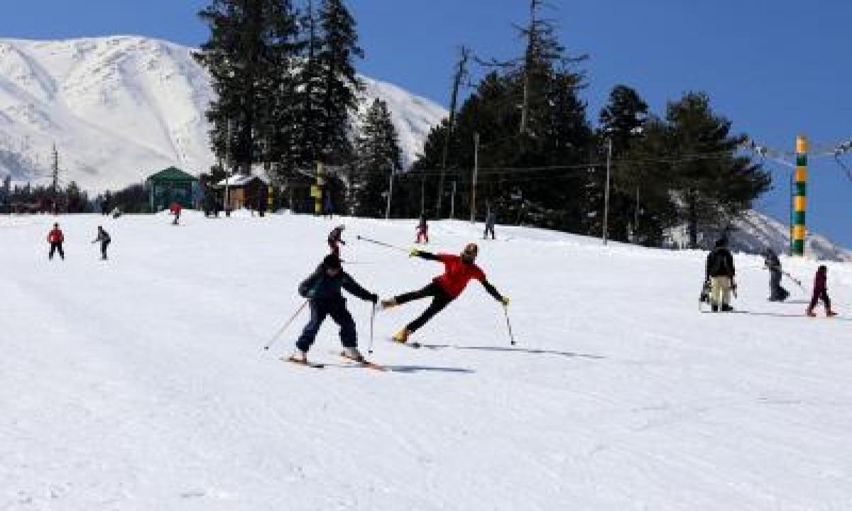 TeluguStop.com - At Minus 7 Degrees, Gulmarg's Ski Slopes Beckon Winter Sports Lovers