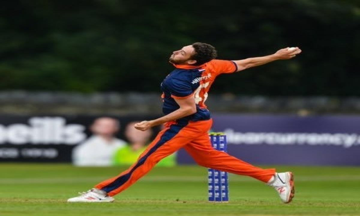 TeluguStop.com - Dutch Cricketer Works As Food Delivery Guy To Make Ends Meet