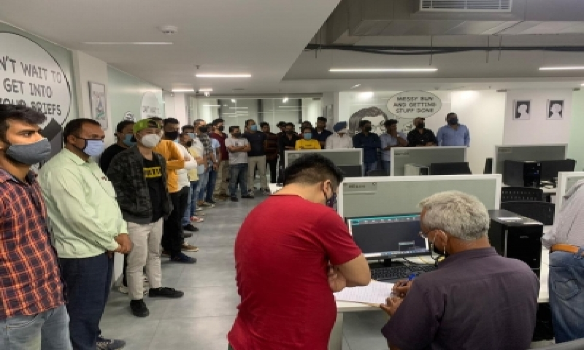 TeluguStop.com - Fake Call Centre Busted In Gurugram
