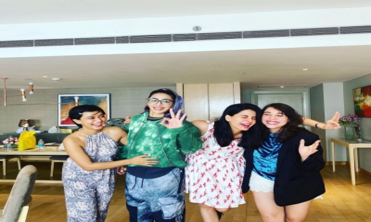 TeluguStop.com - 'four More Shot Please!' Cast To Start Season 3 Shoot