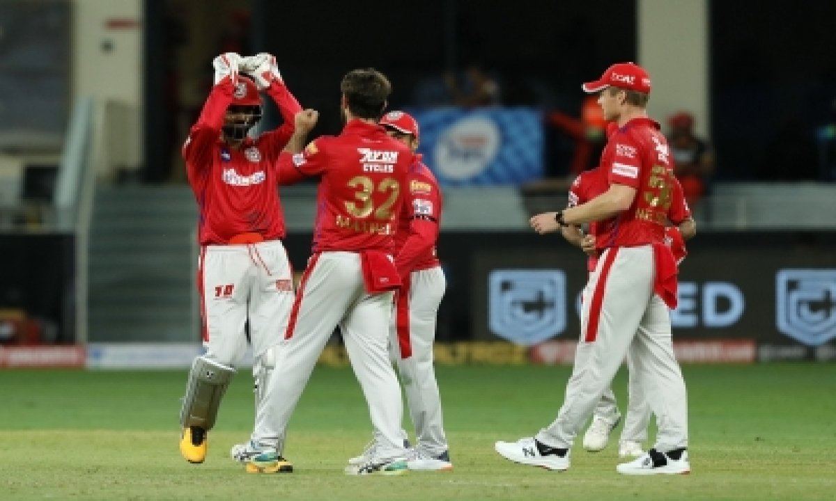 TeluguStop.com - Gayle Becomes First To Hit 1,000 Sixes In T20 Cricket