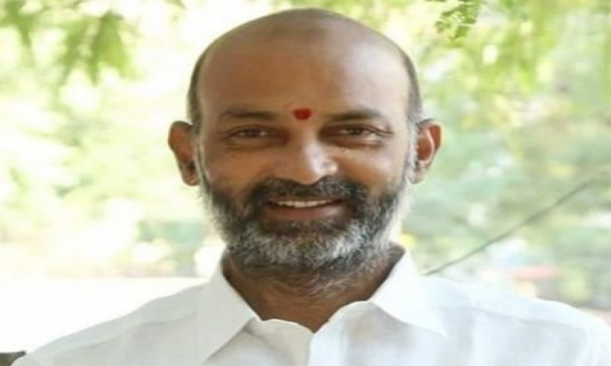 TeluguStop.com - Hours Before Ghmc Polling, Attack On Telangana Bjp Chief's Car