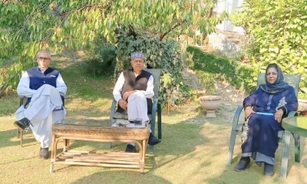 TeluguStop.com - Kashmir Polls: Bjp's National Agenda Vs. Gupkar Alliance's Reclaim Cry (comment)
