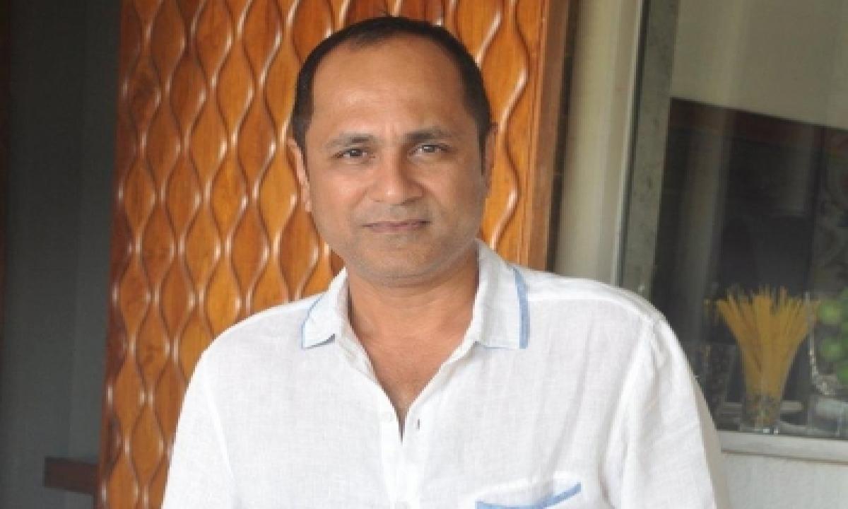 TeluguStop.com - London Dreams Turns 11: Director Vipul Shah Shares Nostalgic Post