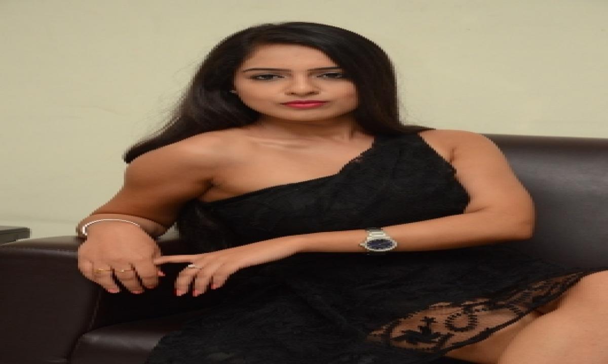 TeluguStop.com - Malvi Malhotra Seeks Support Of Kangana Ranaut And Ncw Chief