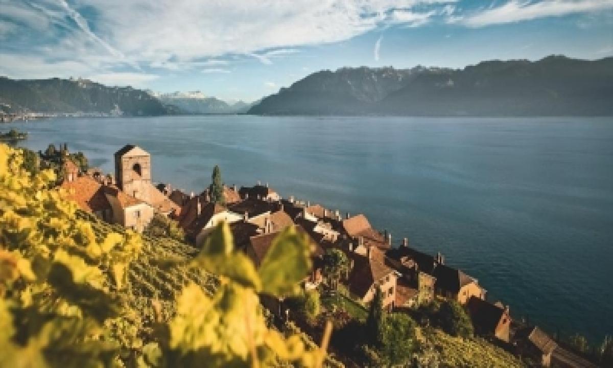 TeluguStop.com - Mesmerising Colours Of Autumn In Switzerland
