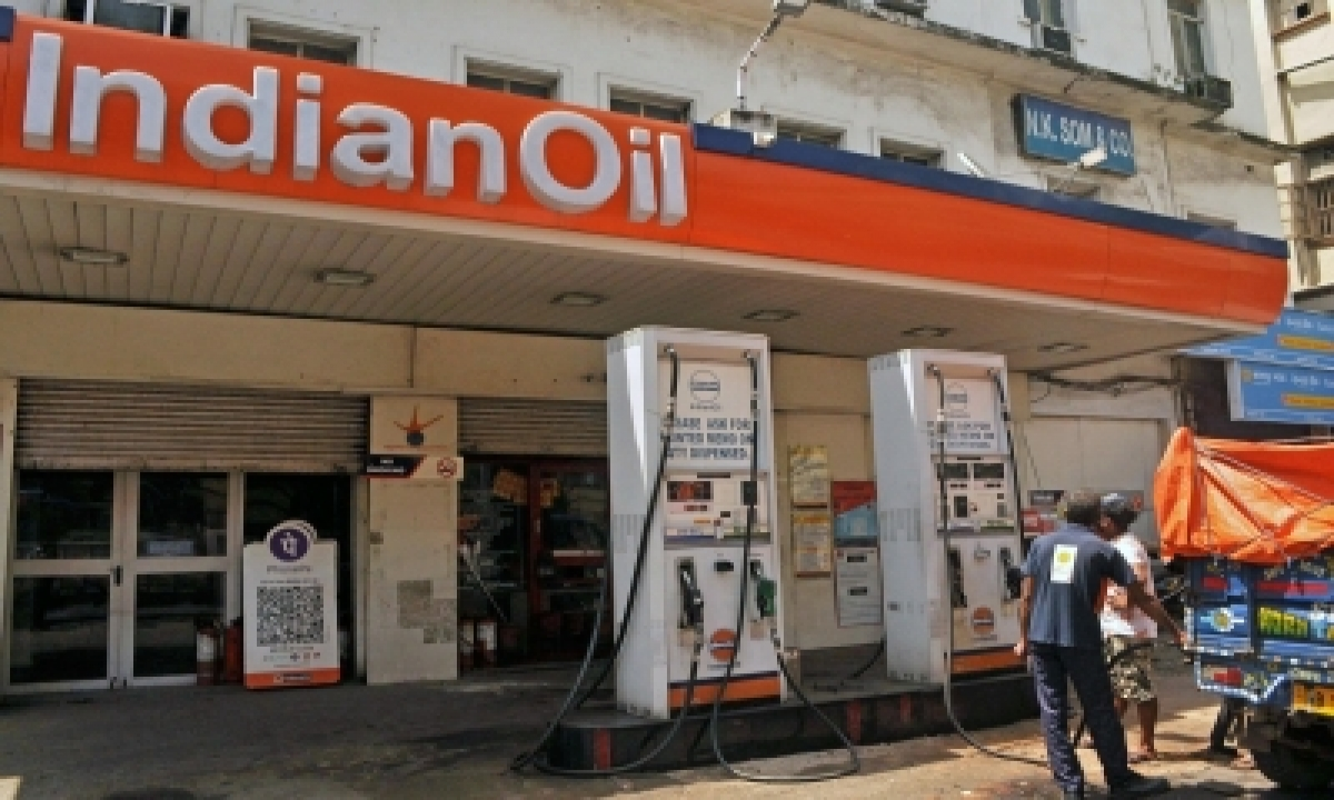 TeluguStop.com - Petrol & Diesel Prices Rises For 2nd Straight Day