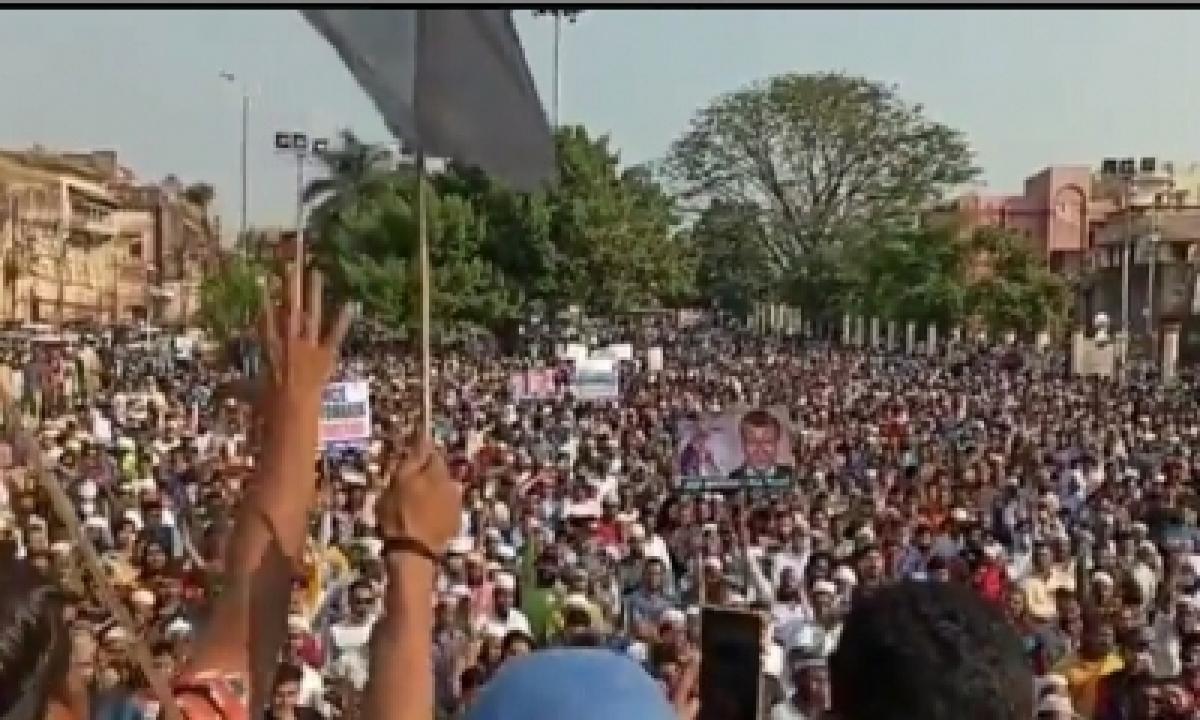TeluguStop.com - Protest Against Macron: Mp Govt Registers Case Against Demonstrators