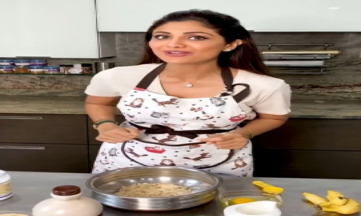 TeluguStop.com - Shilpa Shetty Replaces Eggs With Flaxseed Powder While Baking Banana Bread