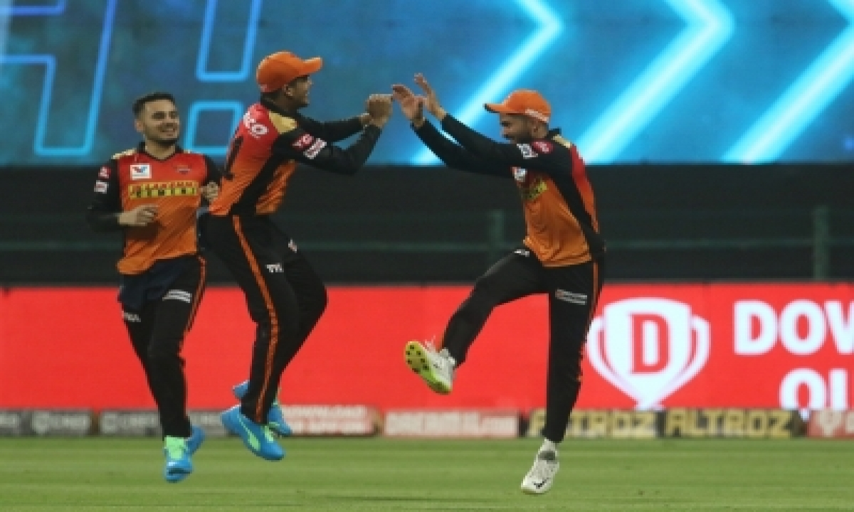 TeluguStop.com - Srh Hammer Dc By 88 Runs, Stay Alive In Race For Playoffs