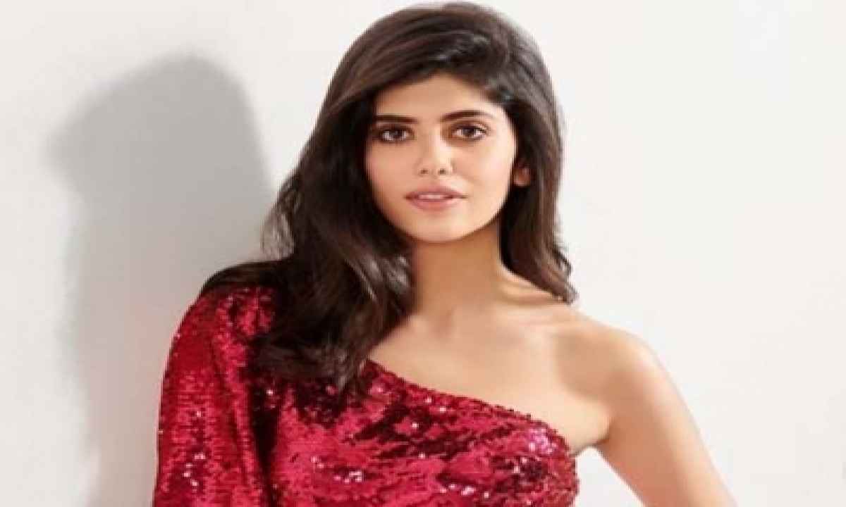 TeluguStop.com - The Fault In Our Stars Author John Green Praises Sanjana Sanghi For Dil Bechara