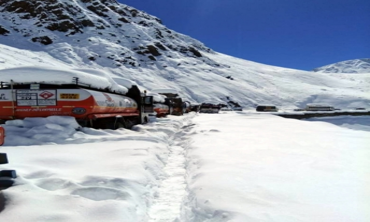 TeluguStop.com - Tourists Blamed For Corona Spike In Lahaul Valley