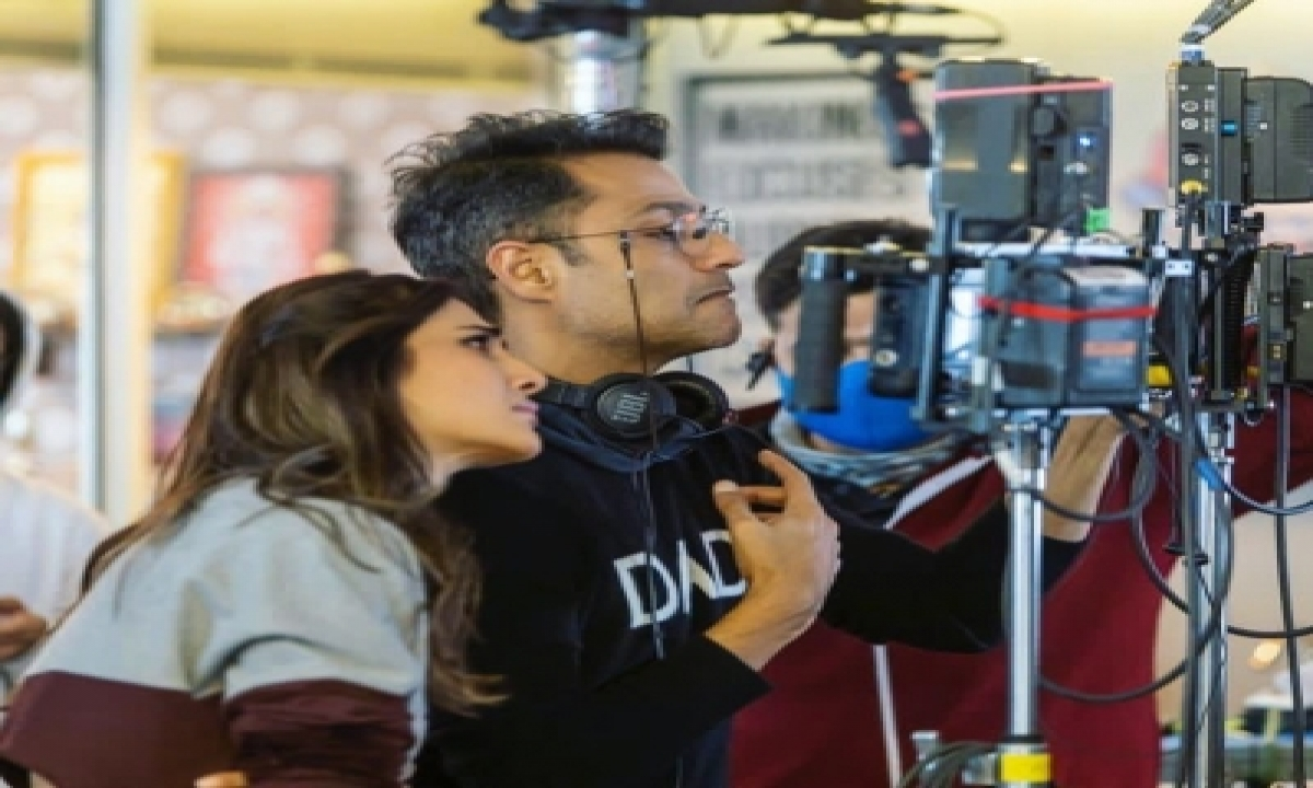 TeluguStop.com - Vaani Kapoor Grateful That Her Director Abhishek Kapoor Loves Her Work