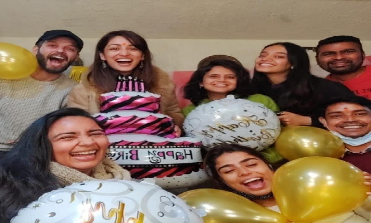 TeluguStop.com - Yami Gautam Thanks Her Extended Family For Making Her Working Birthday Memorable