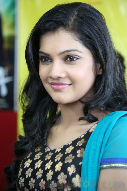 Ashritha shetty stills- Photos,Spicy Hot Pics,Images,High Resolution WallPapers Download