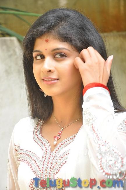 Mridula bhaskar new stills- Photos,Spicy Hot Pics,Images,High Resolution WallPapers Download