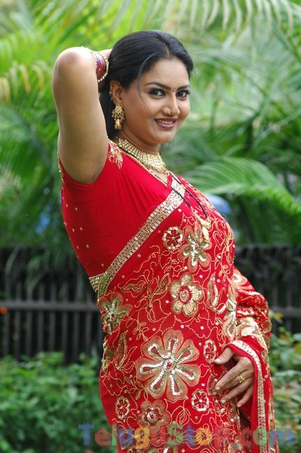 Raksha stills- Photos,Spicy Hot Pics,Images,High Resolution WallPapers Download