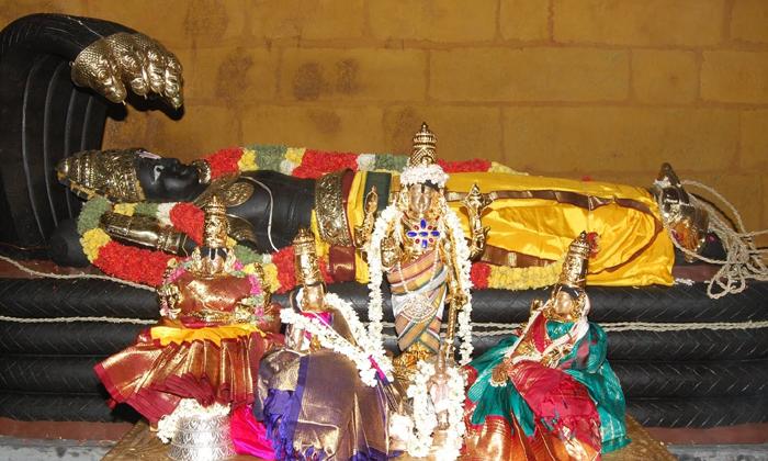 Important Things To Do On Vaikunta Ekadasi- తెలుగు భక్తి కళ ఆద్యాధమిక ప్రసిద్ధ గోపురం పండగలు పూర్తి విశేషాలు -Important Things To Do On Vaikunta Ekadasi-