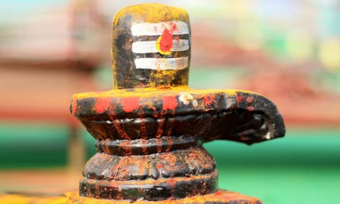 మహాశివరాత్రి రోజు ఉపవాసం, జాగారం ఎందుకు చేయాలి. వెనకున్న కథ ఇదే.-Telugu Bhakthi-Telugu Tollywood Photo Image