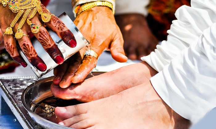 Facts Behind Legs Cleaning In Marriage-