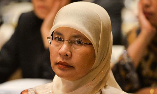 Malaysia Gets Its First Woman Chief Justice - Telugu NRI USA America Latest Daily News Stop (తెలుగు ప్రపంచం అంతర్జాతీయ అమెరికా ప్రవాసాంధ్రుల తాజా వార్తలు)- Visa Immigration,Events,Organizations,Pass