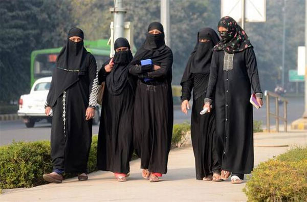 Muslim Woman Sent To Jail For Taking Selfie On Road - Telugu Viral News Muslim Woman Sent To Jail For Taking Selfie On Road -