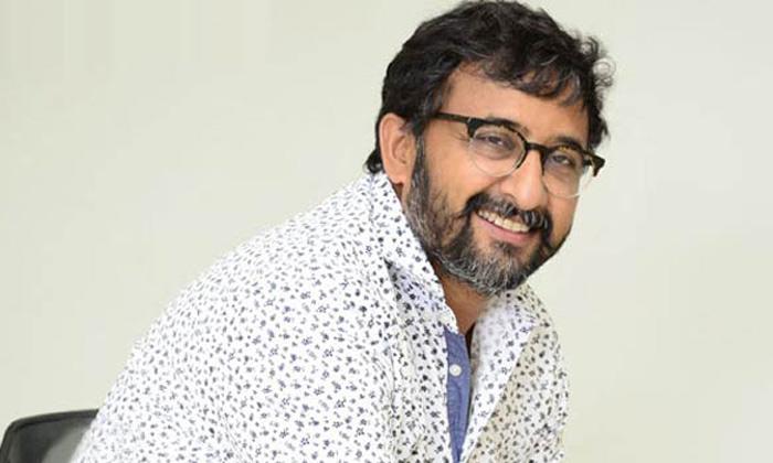 టాలీవుడ్ హీరోలపై తేజ సంచలన వ్యాఖ్యలు సల్మాన్కు ఉన్నంత నీతి ఇక్కడ ఎవరికి లేదు-Movie-Telugu Tollywood Photo Image