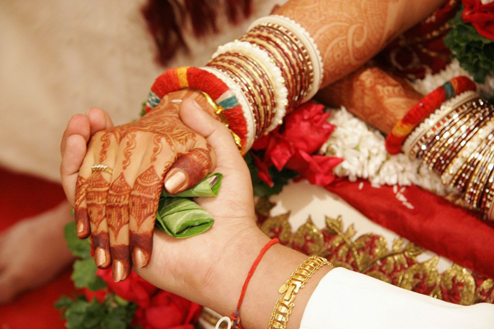 Michigan University Study On Indian Marriages - Telugu NRI USA America Latest Daily News Stop (తెలుగు ప్రపంచం అంతర్జాతీయ అమెరికా ప్రవాసాంధ్రుల తాజా వార్తలు)- Visa Immigration,Events,Organizations,Pa