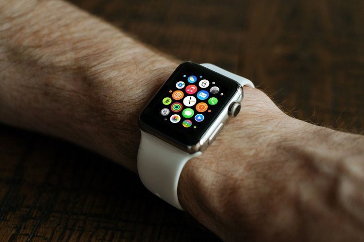 Apple Watch Sos Feature Helped Save A Man Life - Telugu Viral News Apple Watch Sos Feature Helped Save A Man Life -