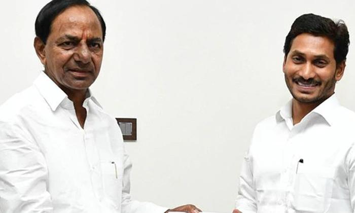 నువ్వా నేనా పోటీలుపడుతున్న జగన్ కేసీఆర్-Political-Telugu Tollywood Photo Image