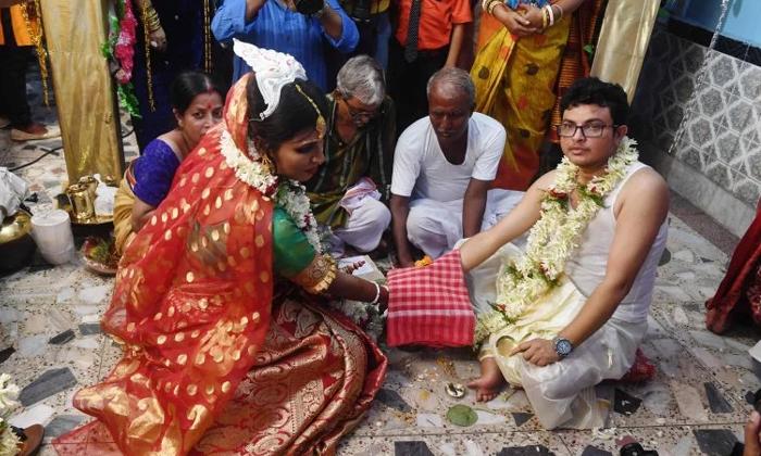ఆ జంట పెళ్లి చాలా ప్రత్యేకం కచ్చితంగా తెలుసుకోవాల్సిందే-General-Telugu-Telugu Tollywood Photo Image