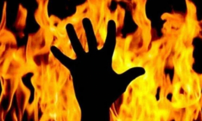 Man Suspected To Have Been Burnt Alive On Funeral Pyre-Anjaneyulu Hyderabad Sameerpet Police Station