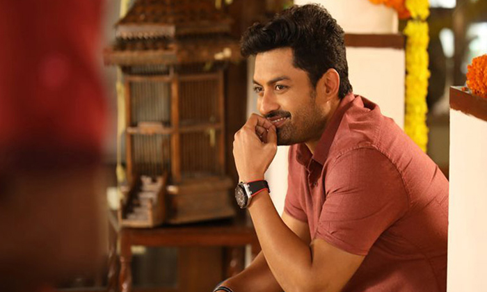 Telugu Allu Arjun And Trivikram, Kalyan Ram, Mahesh Babu And Allu Arjun Movies Release In Sankranthi, Vijayashanthi Act In Mahesh Babu Movie-