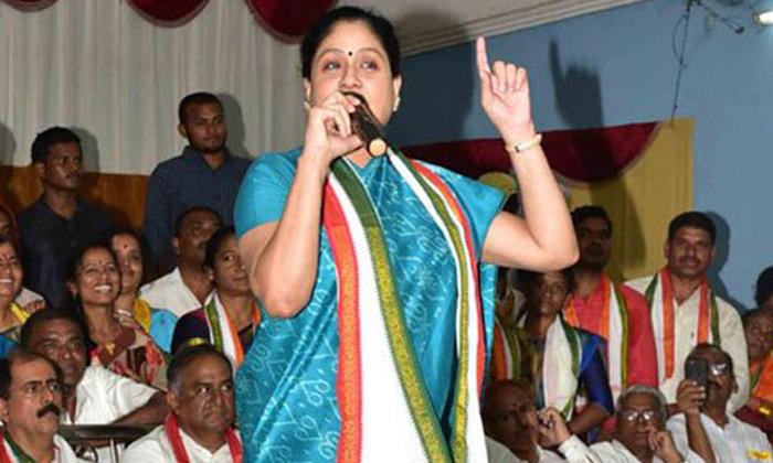 సంక్రాంతి వరకు ఈ సెలవులు కొనసాగిస్తాడేమో-Political-Telugu Tollywood Photo Image