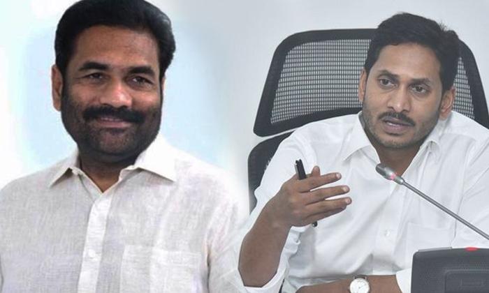 పార్టీ నుంచి బహిష్కరించమంటున్న వైసీపీ ఎమ్మెల్యే బహిష్కరిస్తారా -Political-Telugu Tollywood Photo Image