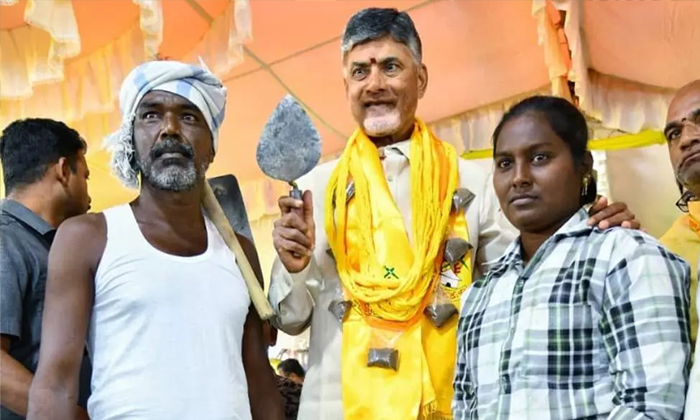 Telugu Chandrababu, Chandrababu In Tdp Chief, Chandrababu Stand In Building Contractors, Chandrababu Suffer From Tdp Mla\\'s, November Month So Many Tdp Workers And Mla\\'s Join In Ycp-