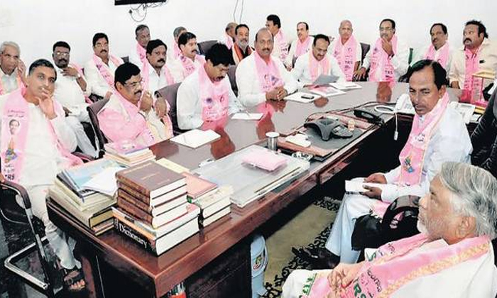 Telugu Rtc Workers Go The High Court, Telangana Cm Kcr, Telangana Rtc Strike, Trs Mla\\'s Maintain The Long Distance With Rtc Workers, Trs Mla\\'s Sitting In Hyderabad, Trs Mlas-