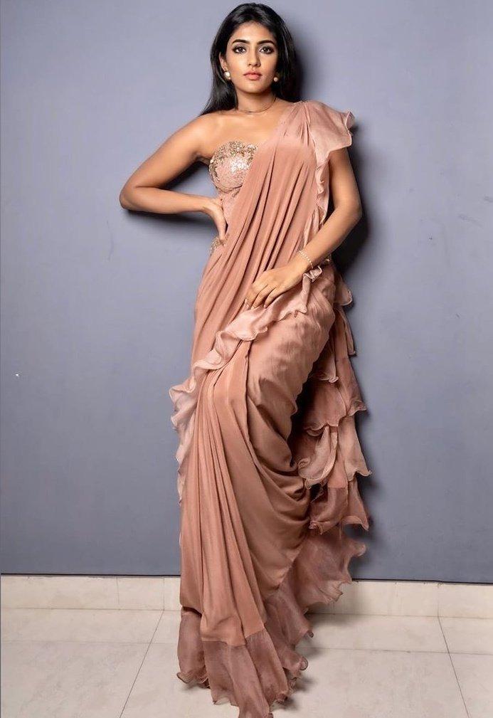 Telugu Isha Rebba, Isha Rebba Photo Shoot, Photo Shoot Stils, Tollywood Heroin Isha Rebba-