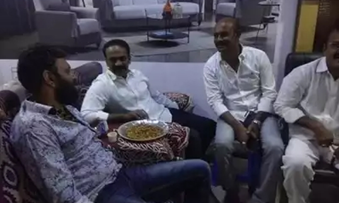 Vangaveeti Radha Try To Comes In Ycp Party-kodali Nani,vangaveeti Radha,vangaveeti Radha Kapu Cast Leader,vangaveeti Radha Present In Tdp Party Telugu Political Breaking News - Andhra Pradesh,Telangan-Vangaveeti Radha Try To Comes In YCP Party-Kodali Nani Vangaveeti Kapu Cast Leader Present Tdp Party
