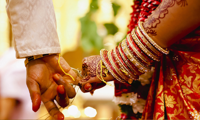 Telugu Gujarath Marriage, Indian Marriages, Rajkot, Relatives, Relatives Comes In Marriage, Relatives Express Happy On Arrangements With Cold Fire, Winter Season Start-General-Telugu