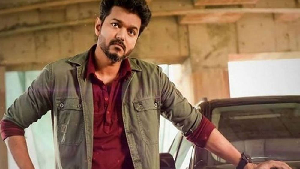 Hello Telugu Super Stars Look At This Tamil Star-Mahesh Prabhas Tamil Star Thale Vijay విజయ్