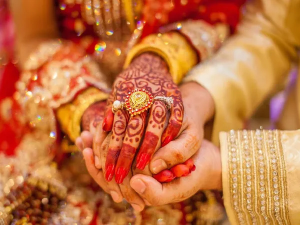 Telugu Couple Dating For 2 Years Ends \\'happily Ever After\\' In 12 Hours, Dating, Divorce, Marriage, Police, Socil Media, Viral News-General-Telugu-Telugu Tollywood News Photos Pics