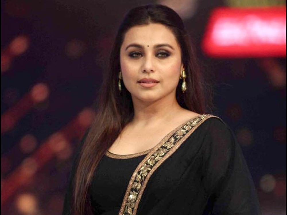 Telugu Kareena Kapoor, Rani Mukharji, Telugu Viral News Updates, Viral In Social Media, కరీనా కపూర్, రాణి ముఖర్జీ-Movie-Telugu Tollywood News Photos Pics