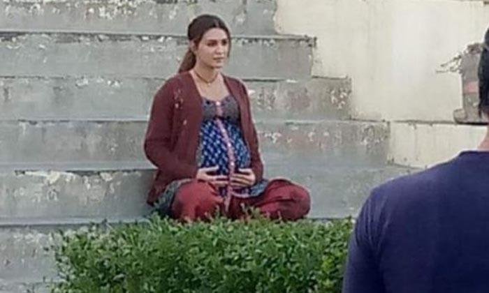 Telugu Bollywood Actress Kriti Sanon, Kriti Sanon, Kriti Sanon Latest Movie News, Kriti Sanon Movie Latest Update, Kriti Sanon Movie News, Kriti Sanon Pregnant Mages, Tollywood-Latest News-Telugu Tollywood News Photos Pics