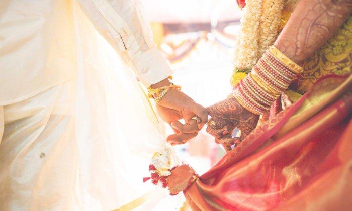 Telugu 100 Years Cross Army Man Marries A 27 Years Woman In Indonesia, 100 Years Old Man, Alang Three Months Pregnent, Indonesia Alang Girl, Old Man Marries Young Women, Puwang Kathe-General-Telugu