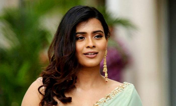 ఐటెం పాపగా మారిన కుమారి-Gossips-Telugu Tollywood Photo Image