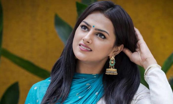TeluguStop.com - Jersey Actress Forays Into Food Business-Movie-English-Telugu Tollywood Photo Image