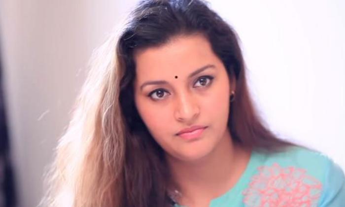 Telugu Renu Desai, Renu Desai Active In Social Media, Renu Desai Farm House, Vikarabadh Shooting-Movie