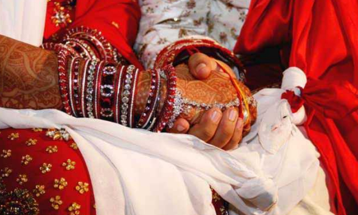 Telugu Nri Husbands Tourchers, Nri Marriages Registration, Parliamentary Panel Approves Bill On Compulsory Registration Of Nri Marriages, Pass Port, Rajyasabha, Registration Off Marriage Off Non Indian-Telugu NRI