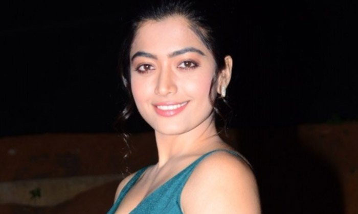 Rashmika's Open Offer To New Young Talent-Latest News English-Telugu Tollywood Photo Image